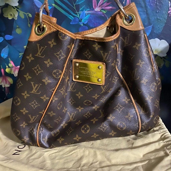 Louis Vuitton Handbags - Louis Vuitton Galleira PM